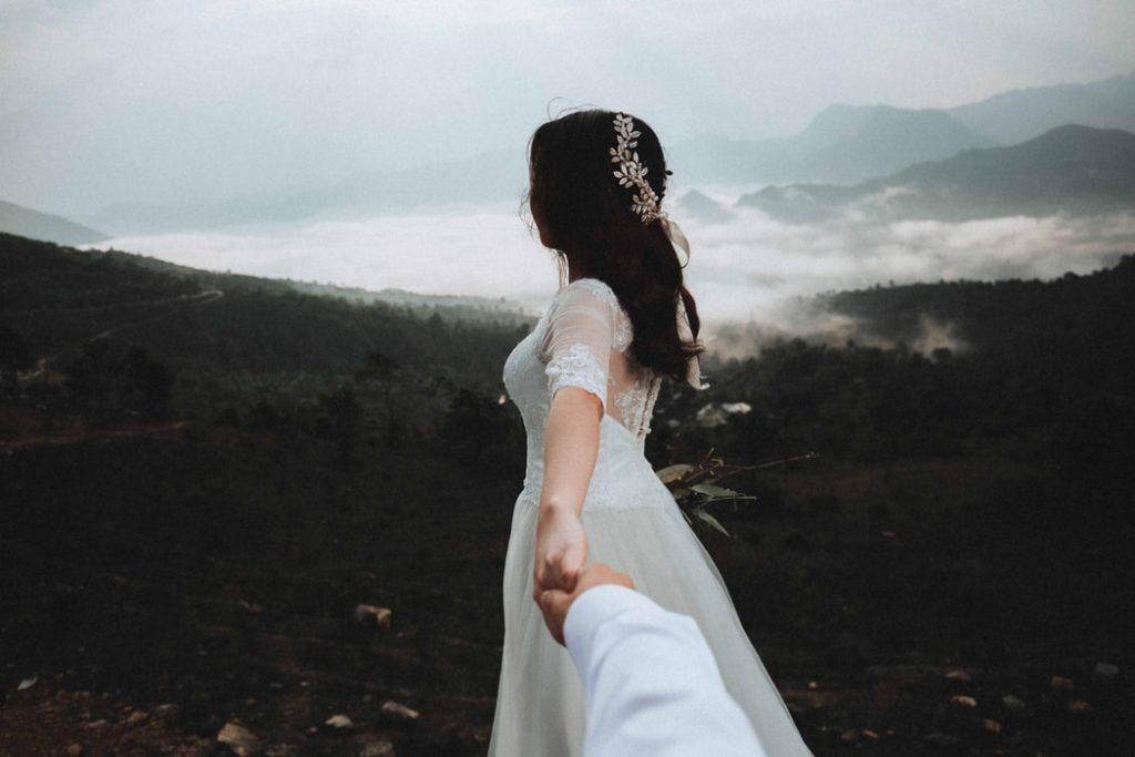 Fekete hajú menyasszony