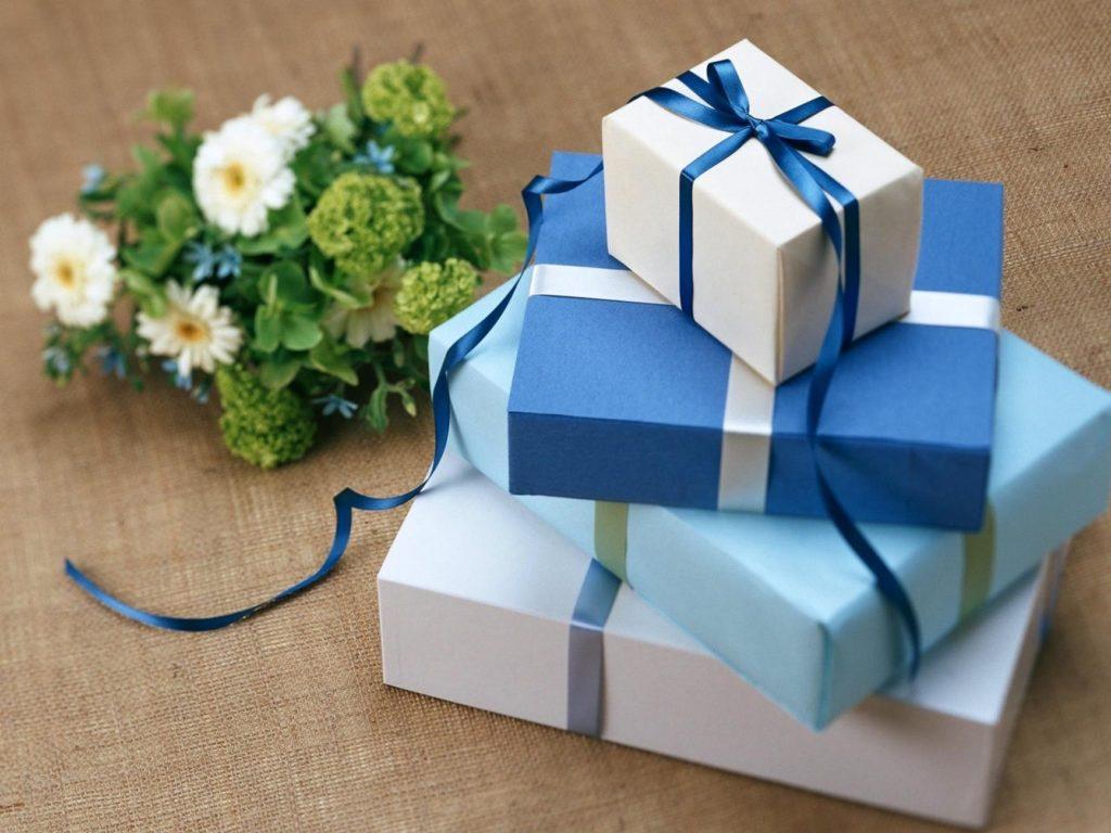 Mit illik ajándékba adni egy aranylakodalomra?