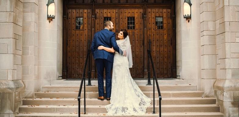 Mennyi idő az eljegyzés után az esküvő?