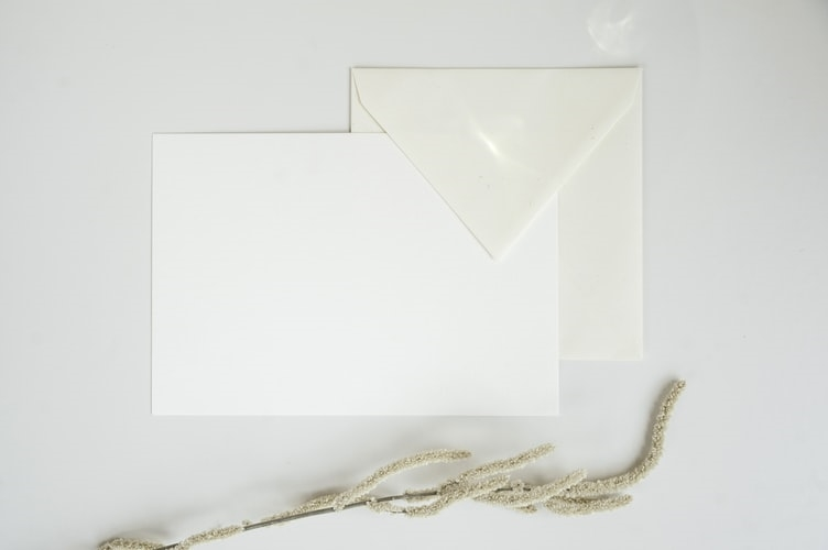 Mit írj egy modern esküvői meghívóra?