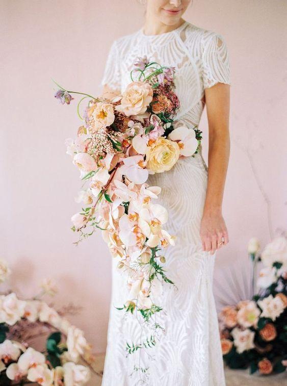 Milyen virágok vannak egy menyasszonyi csokorban?
