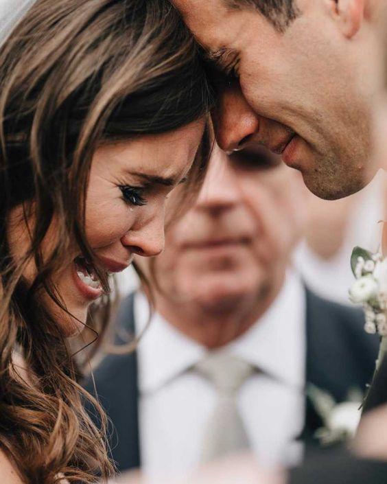 Megható pillanatok az esküvőn