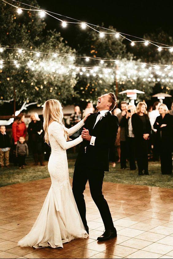 Milyen legyen a nyitótánc zenéje esküvődön?
