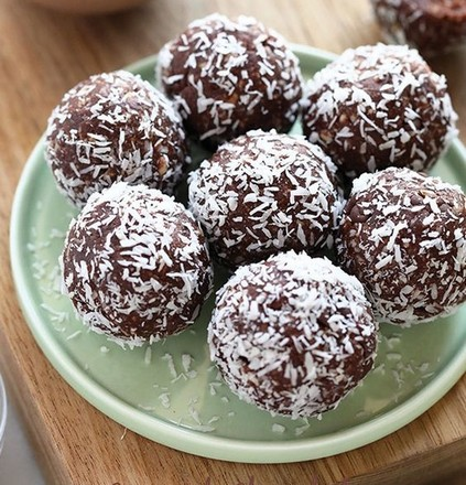 Lakodalmas sütik: kókuszgolyó
