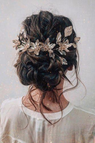 Díszített haj esküvőre
