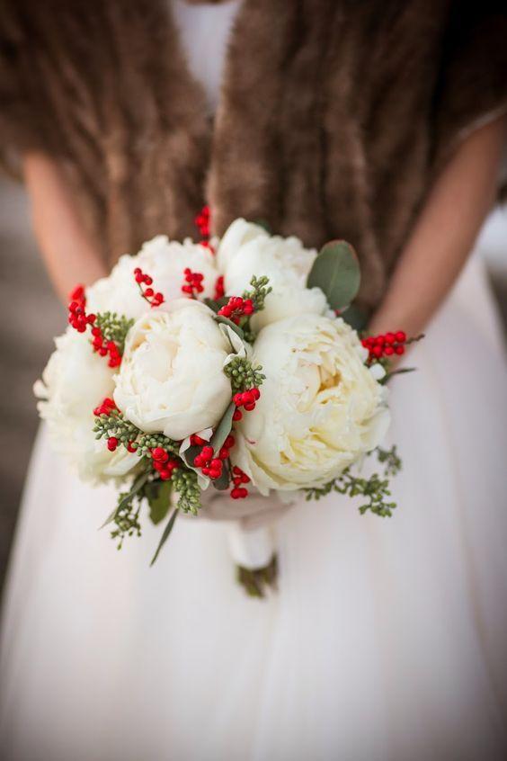 Szép esküvői csokor télen